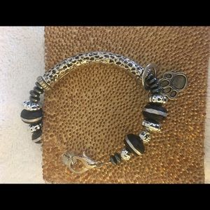 Jewelry - Paw silver beaded bracelet